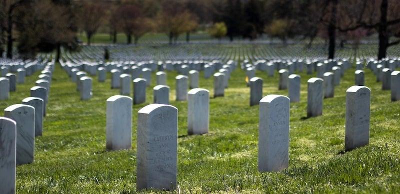 arlington-national-cemetery-2225762_1280 (1)
