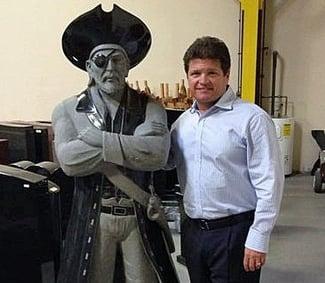 Milano Monuments Donates Rocky River High School Pirate Statue